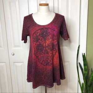 Lularoe perfect Tee, sugar skull/ polka dots